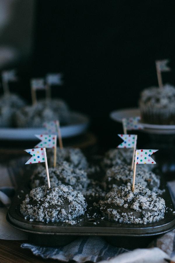 black sesame muffins