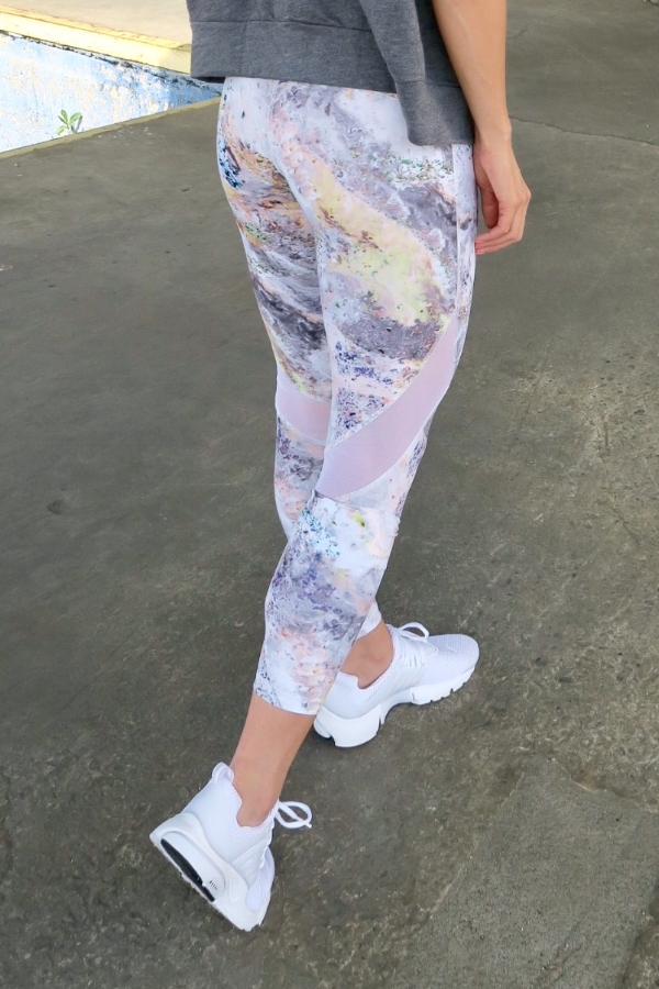 Carbon 38 workout leggings