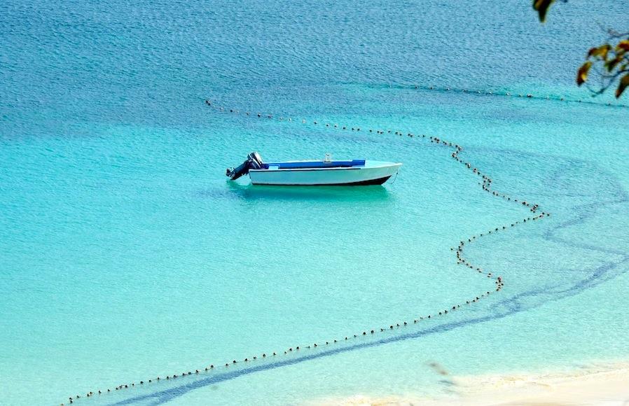 Susan Croft Photography C2015 Sandy Ground Anguilla Net .JPG