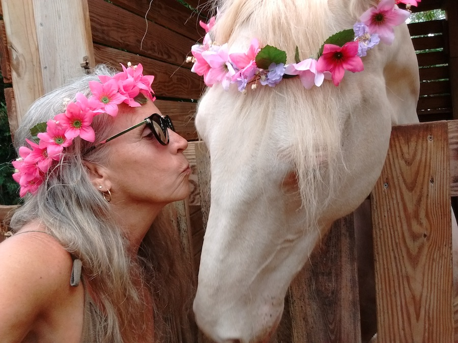 C2017 SUSAN CROFT PHOTOGRAPHY www.WildBlueiMages.com Susan Selfie with Dreamer.jpg