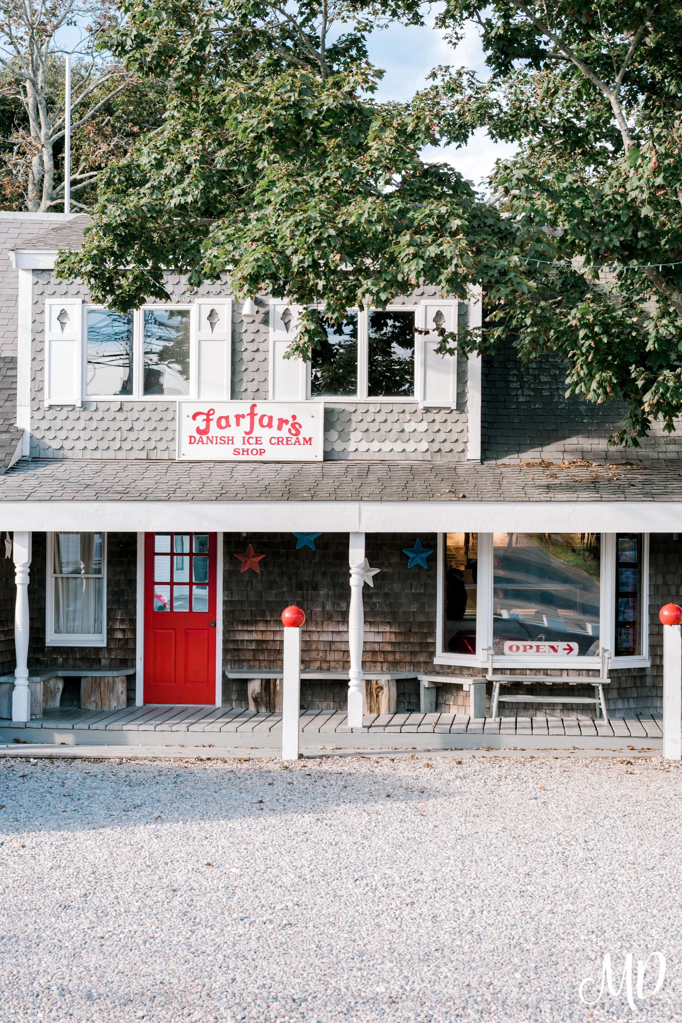 Michelle Dunham Photography-Duxbury-MA-Engagement-FarFars Ice Cream 1.jpg