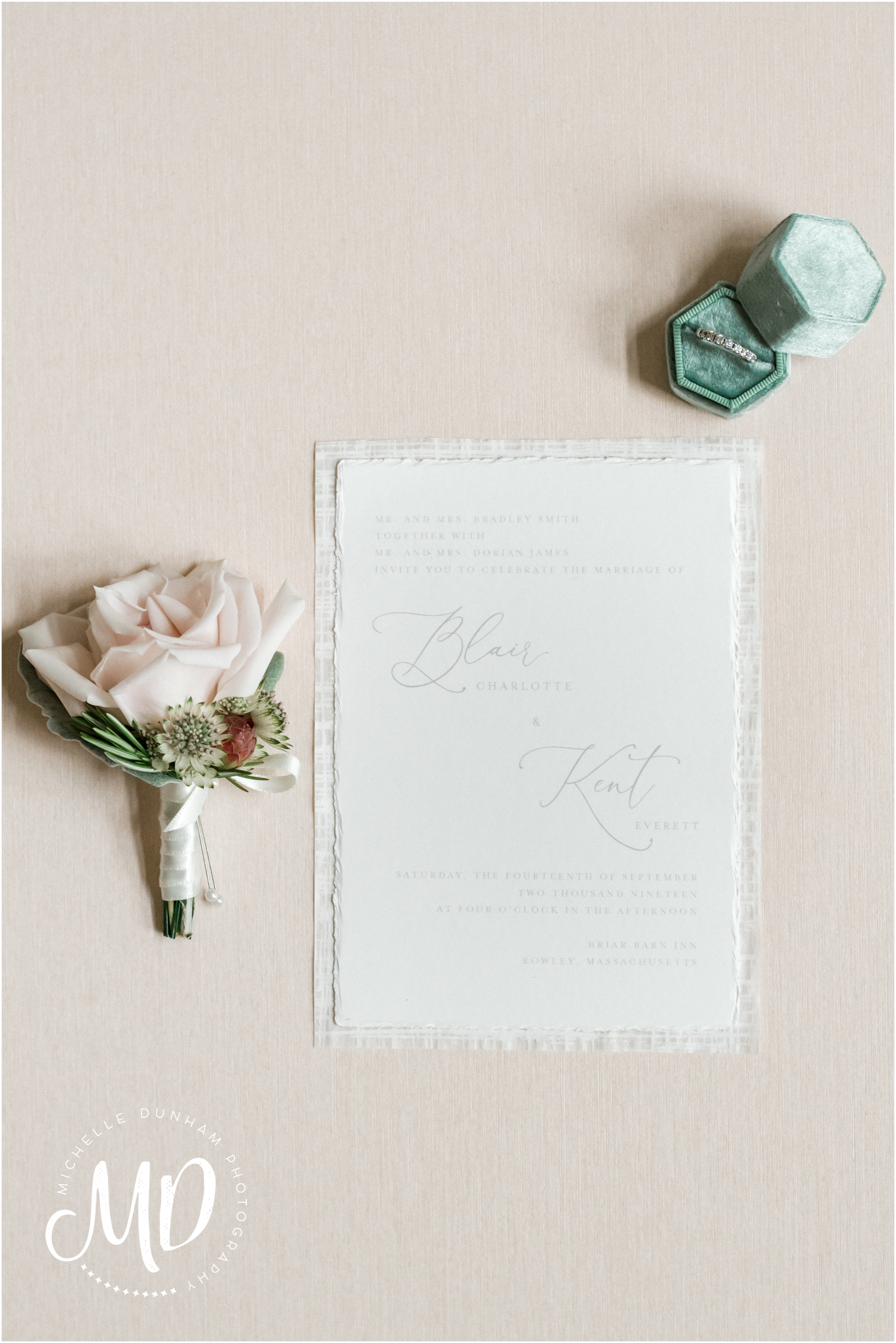 briar_barn_wedding_invitation_suite_michelle_dunham_photography.jpg