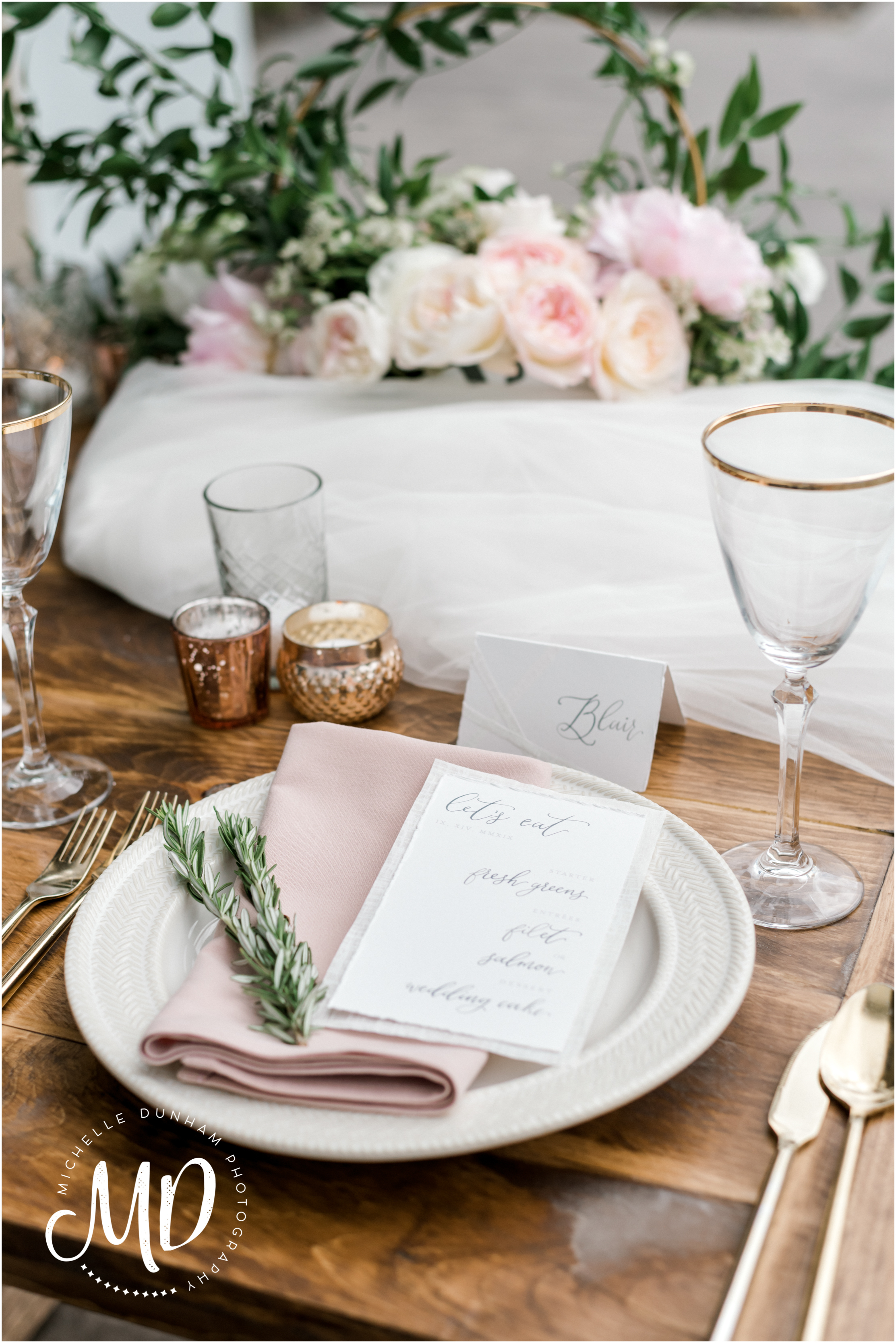 briar_barn_wedding_place_setting_michelle_dunham_photography.jpg