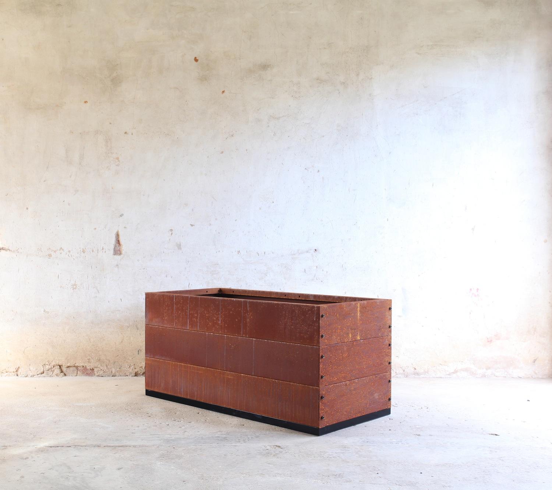 SKEMAH-corten-steel-abilitybox-planter-540x600x1200-nrn1407104-web-resjpg.jpg