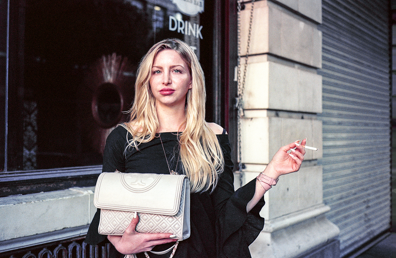 Lindsay, Outside Pattern Bar