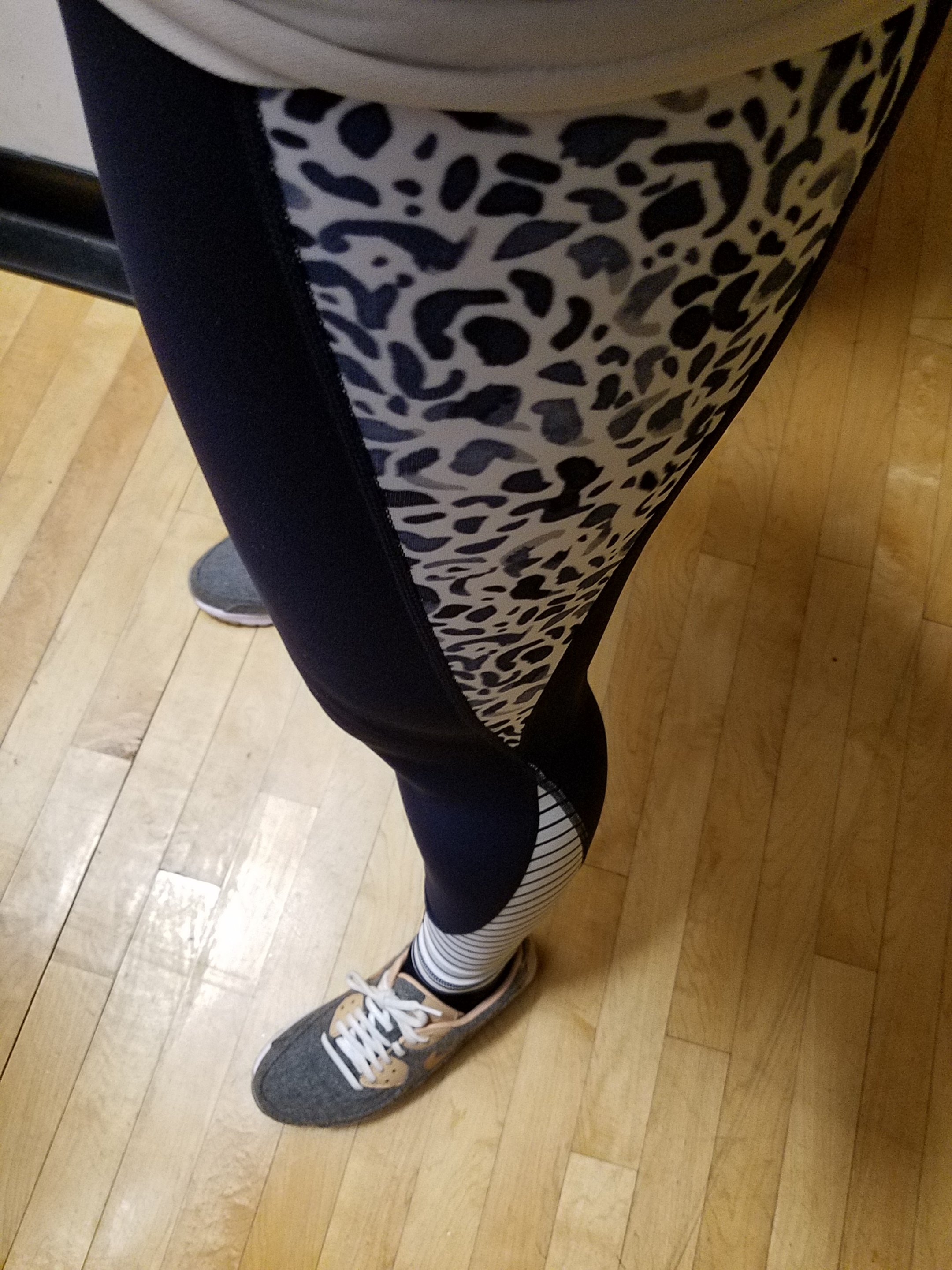 Loving the new Power Vita fabric and these  Petal Salutation 7/8 Ankle Tights .  Thank you Athleta!