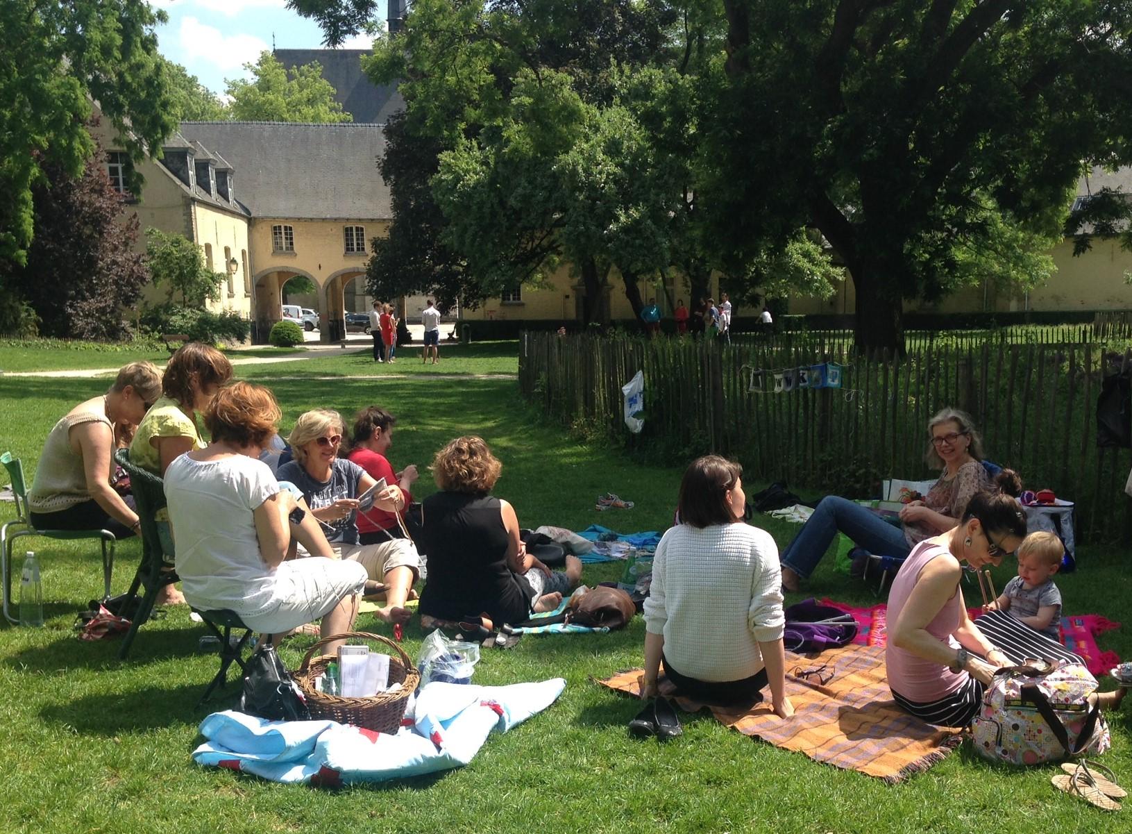 WWKIP group in park 1.JPG