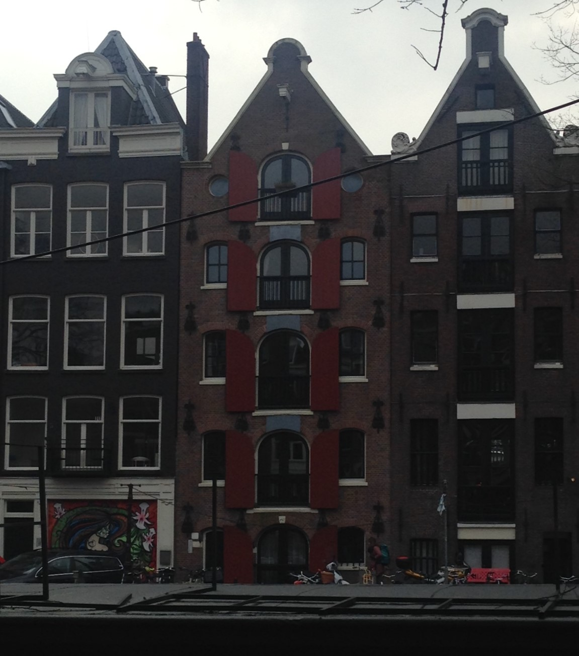 2016 Amsterdam building with windows 3.JPG