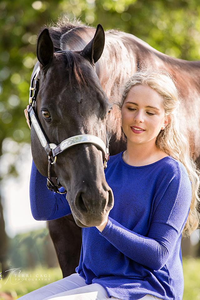 Senior portraits, equestrain, horse