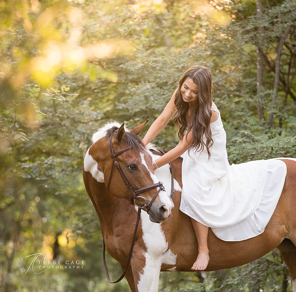 light and airy photos, senior photographer, denton, aubrey texas, xo ranch, senior portraits with horses