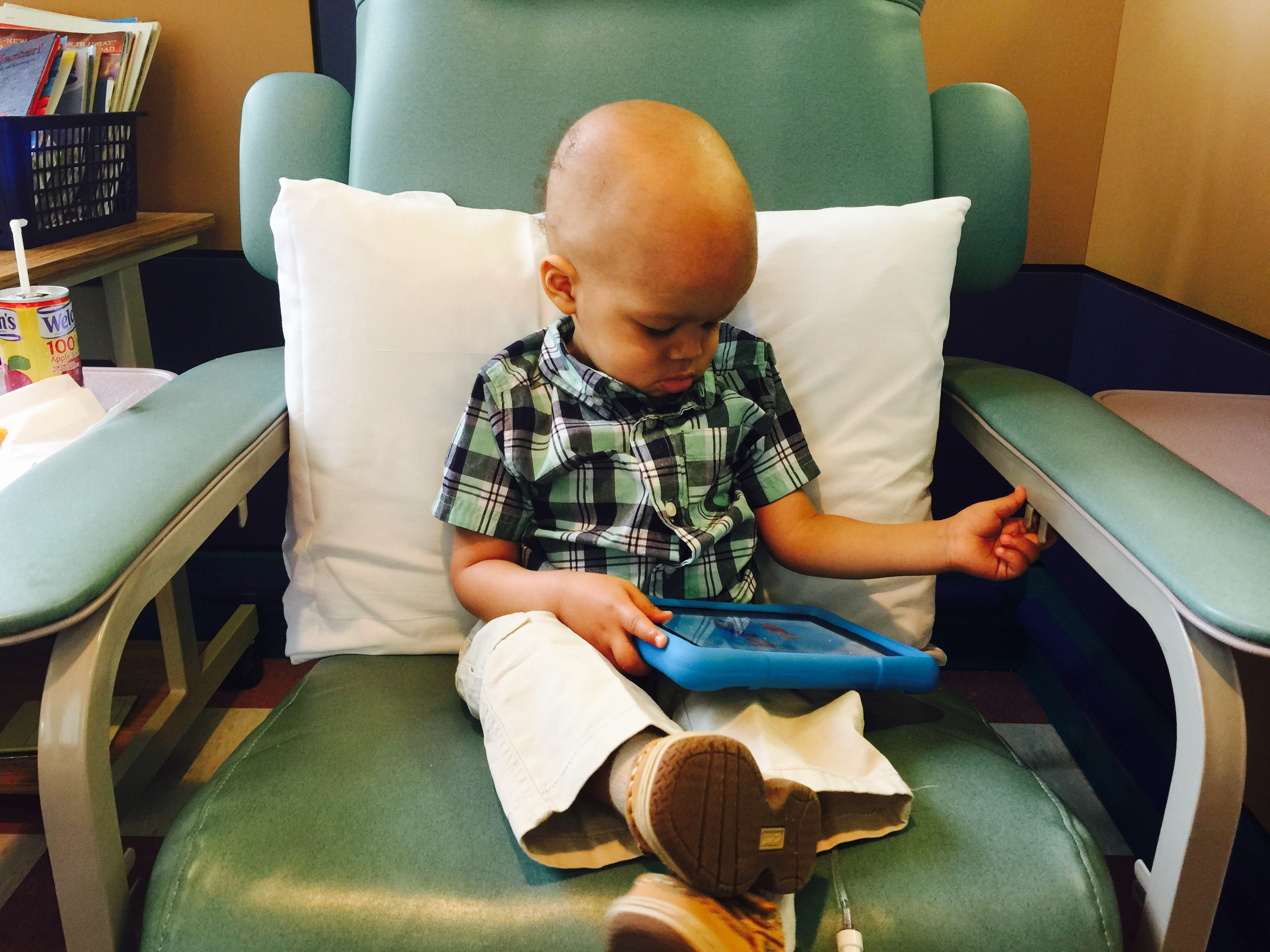 Day 250: Elliott starts the maintenance phase of chemotherapy. Going forward he will only have to go in for an infusion once a month.