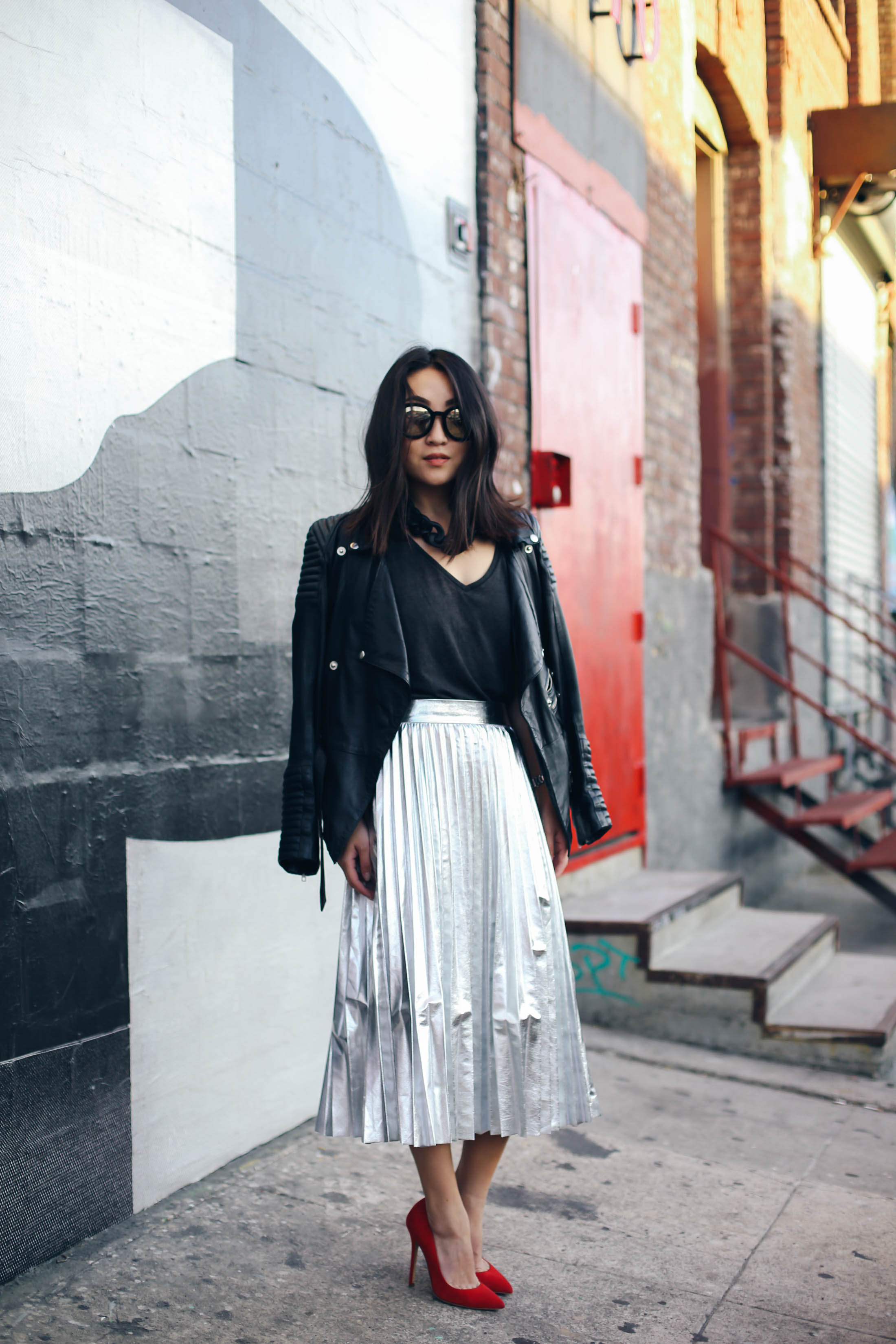 2-silver-skirt-nina-citizensrunway-ryanbyryanchua-9257.jpg