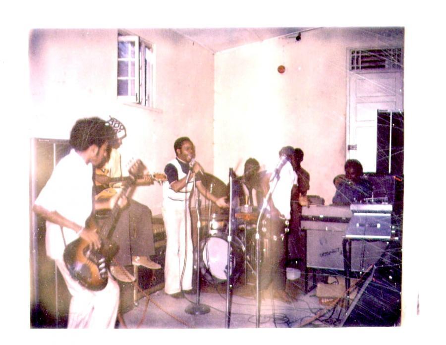 BB_with_the_Horizon_Band_Jamaica_70s.jpg