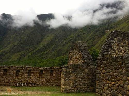 Chachababamba ruins on the Inca Trail