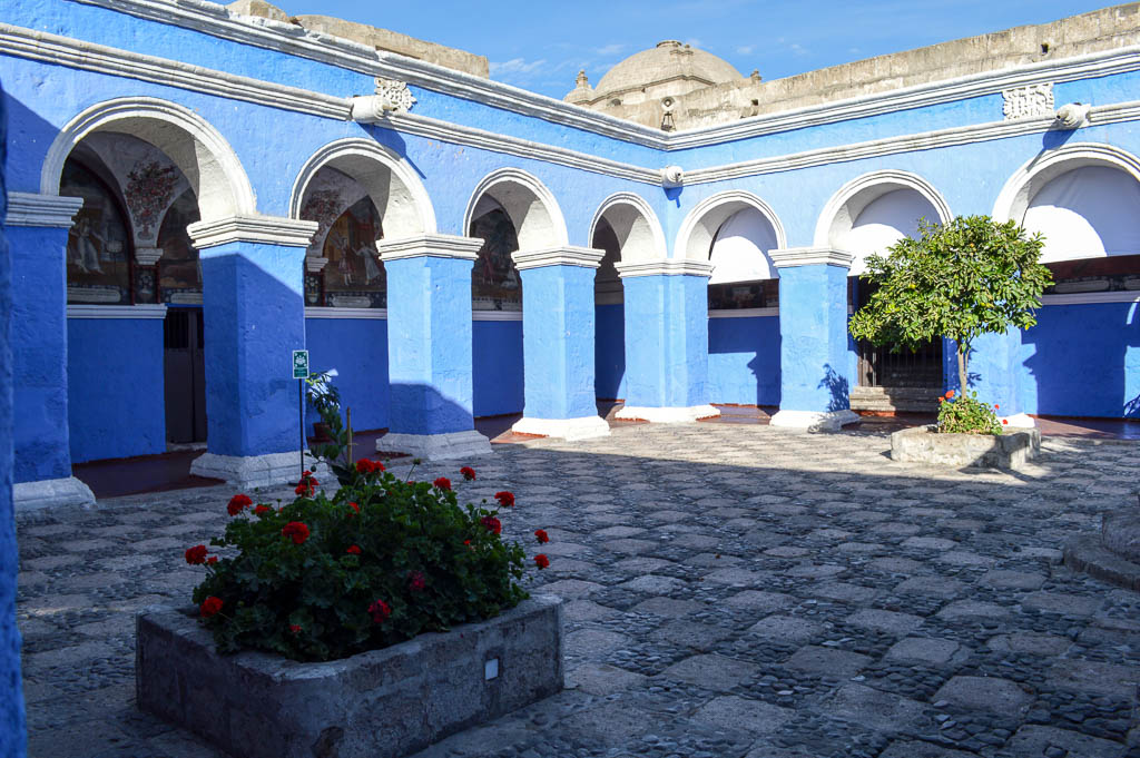 THINGS TO SEE AREQUIPA PERU: MONASTERIO DE SANTA CATALINA