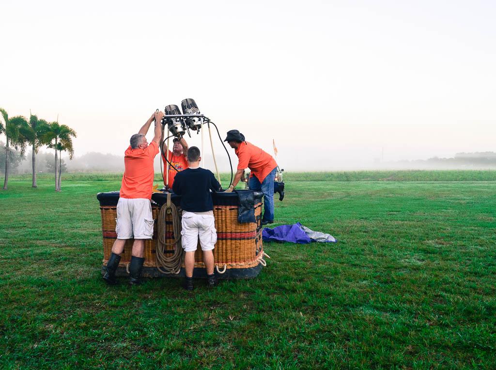 HOT AIR BALLOON RIDE IN MIAMI FLORIDA: SETTING UP