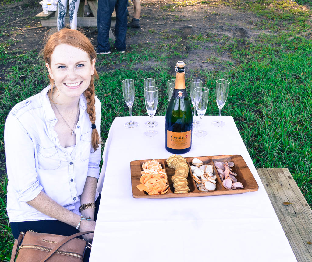 CHAMPAGNE BREAKFAST AND HOT AIR BALLOON RIDE