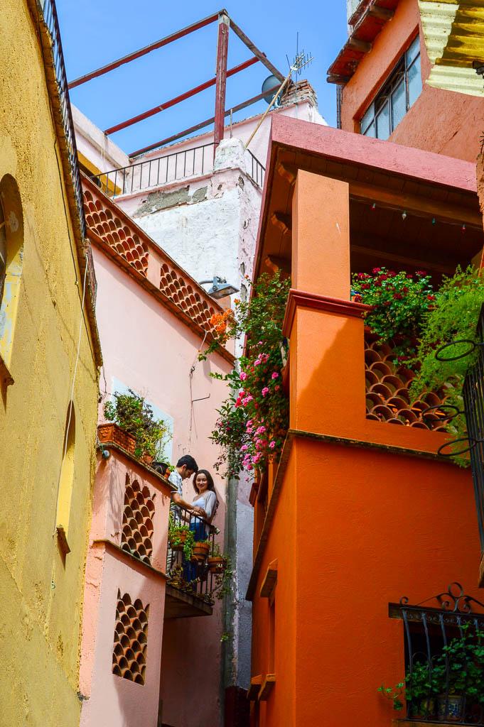 WALKING TOUR GUANAJUATO, MEXICO: CALLEJON DEL BESO
