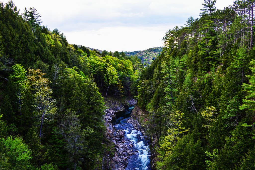 THE BEAUTIFUL QUECHEE GORGE, VERMONT