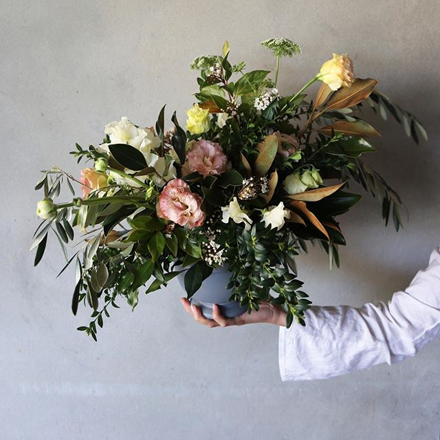 Overflowing beautiful arrangements⠀ #createdbygands #georgeandsmee
