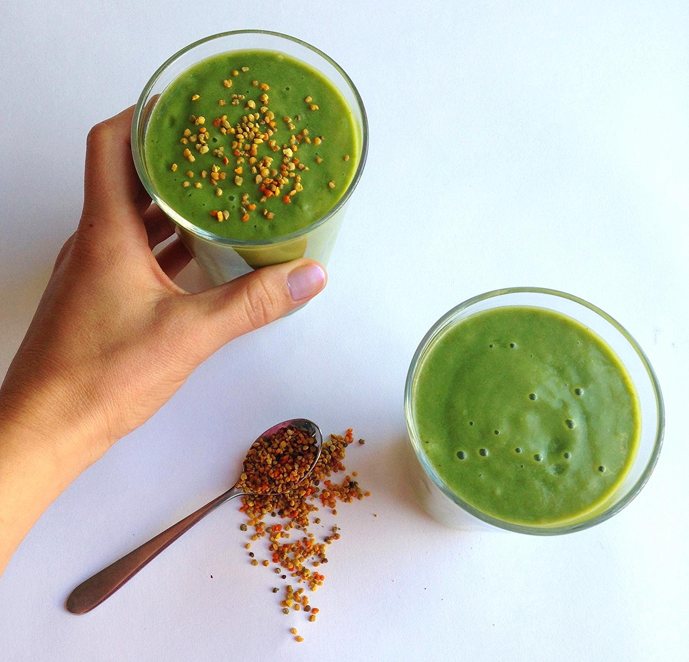 Fig & avocado green smoothie