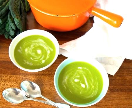 Cauli cavolo coco soup - served.jpg