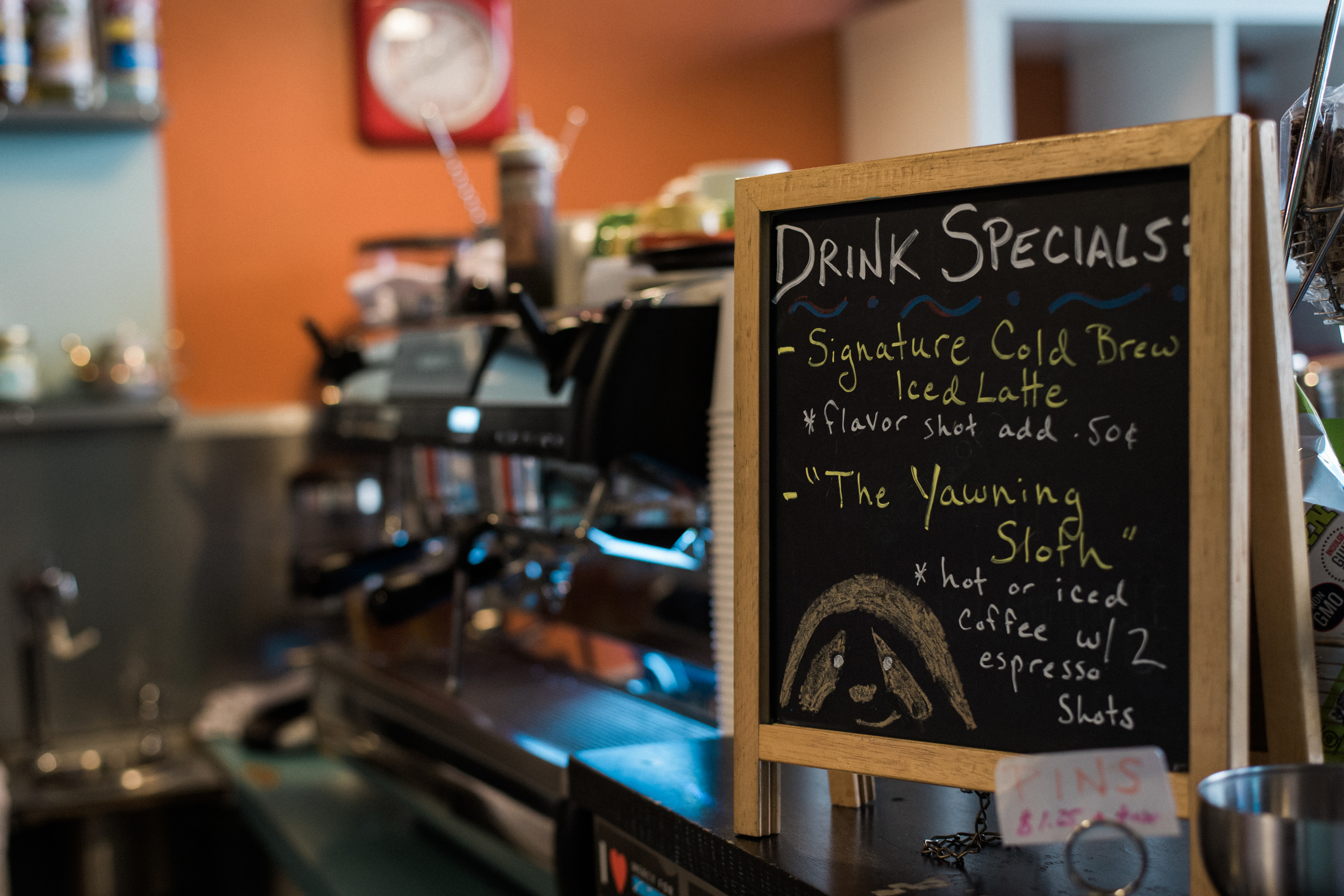 chelsea-bliefernicht-chicago-il-coffee-shop-engagement-photographer
