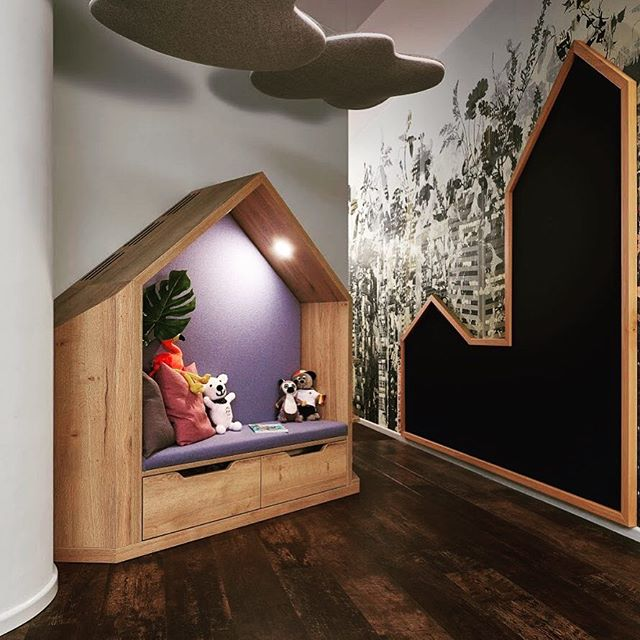 Children's corner in the travel agency. Special: flexible skirting boards by orac decor.  Design by #vodkaleipzig.  #interiordesign #design #wallcovering #wallpaper #interior #interiordecor #interiordesigner #leipzig #leipziglove #leipzighome #handwerk #leipzigliving #luxuryliving #luxurylifestyle #luxury #luxuryhomes #wallpaper #wallcoverings #decor #designerwallpaper #raumausstattung #vintage #shabbychic #oracdecor #wandbelag #decoration