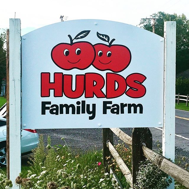 New sign we made and installed for @hurdsfamilyfarm today. Just in time for the busy Hudson Valley harvest season. Printed vinyl graphic on PVC/aluminum composite and installed right over the old sign. #sign #mimaki #vinyl #family #farm #hudsonvalley #harvest #apples