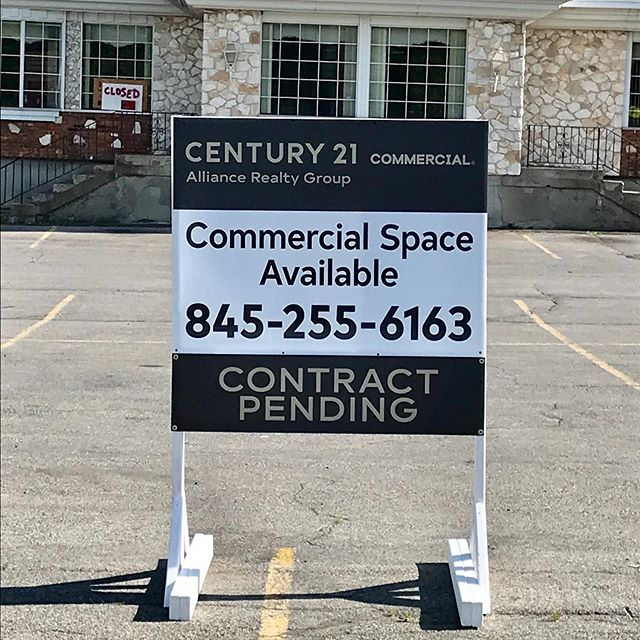 New property for sale in a great location in New Paltz (old College Diner spot). Here's a real estate sign we made for Century 21. Custom built wood frame and flatbed printed coroplast sign with removable rider. #signs #flatbedprinting #mimaki #realestate #hudsonvalley