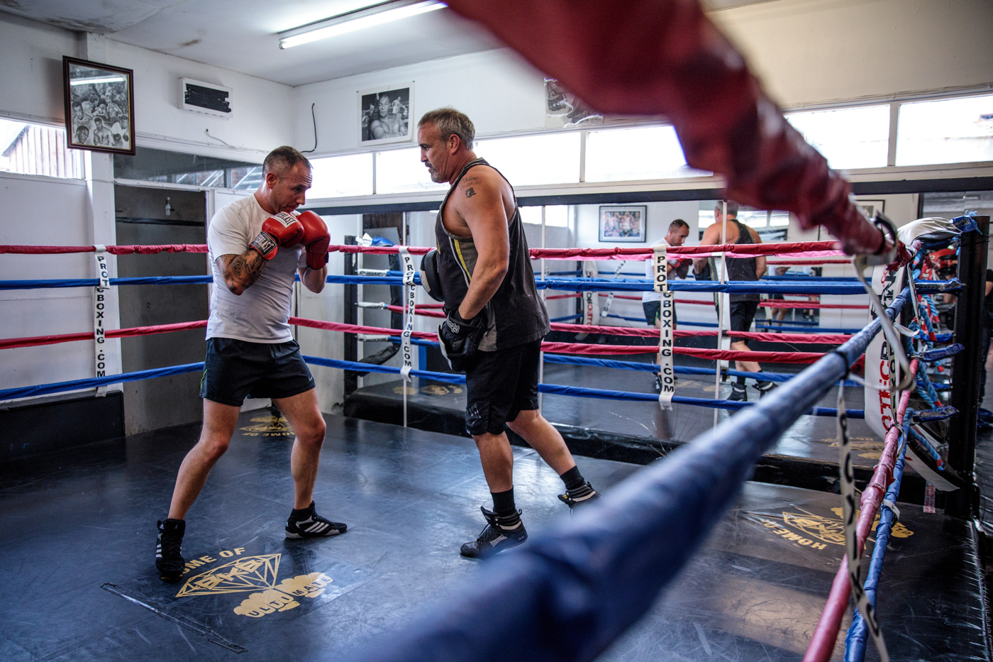 WARRINGTON, ENGLAND: Bare-knuckle boxer and ex-marine Paul Stredder, 35 from the Wirral, (L) trains with bare-knuckle boxing organiser and trainer Shaun Smith, 52 (R) at a training session at Smithys Gym on June 4, 2018 in Warrington, England