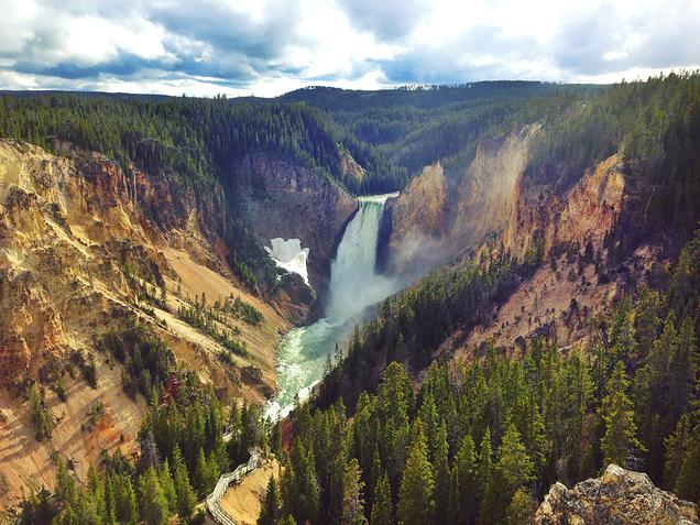 {Beautiful Yellowstone National Park - Upper and Lower Falls}