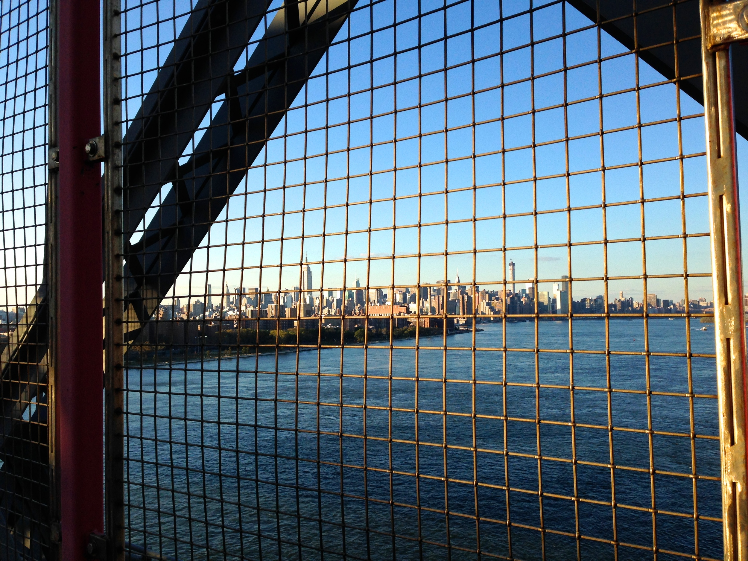 {NY skyline from Williamsburg Bridge}