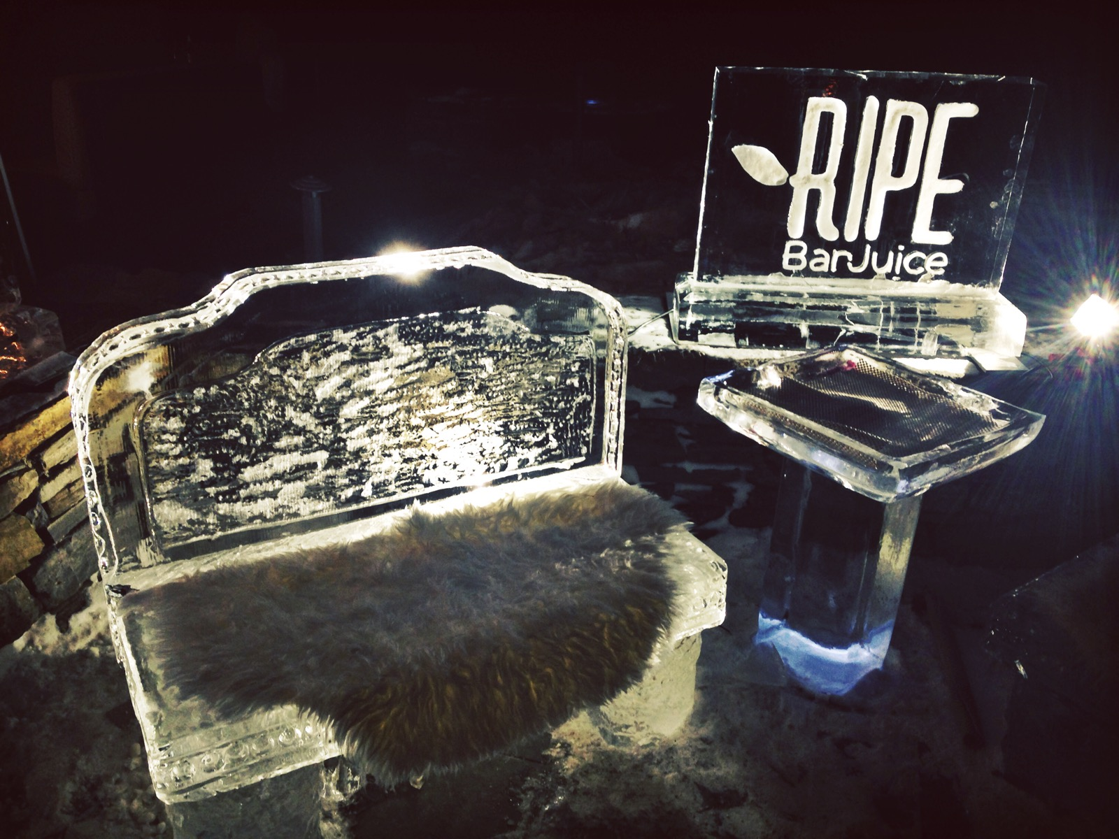{Awesome ice bench and side table at the Samoset's ice bar event}