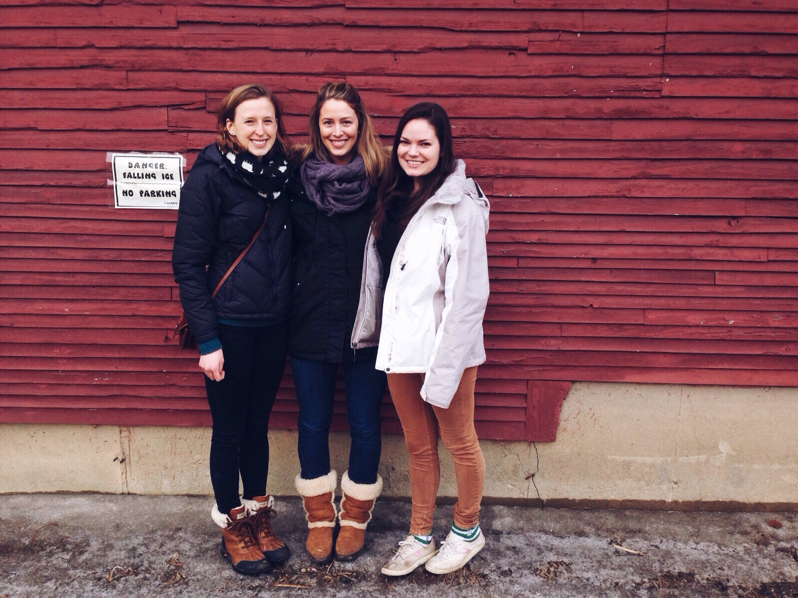 {Gretchen, Kate and I before dinner last weekend}