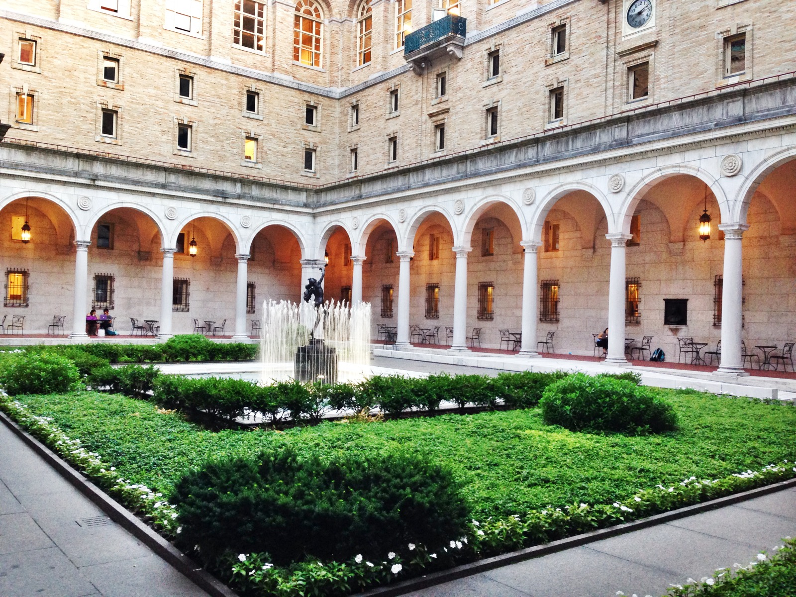{The Boston Public LIbrary is GORGE! So happy I took the time to stop by}