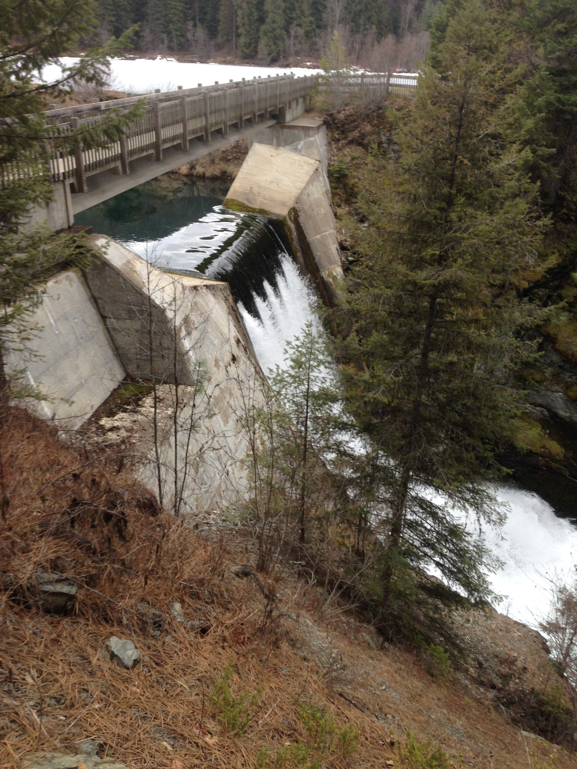 The dam at Mill Pond..also just to the North of us.