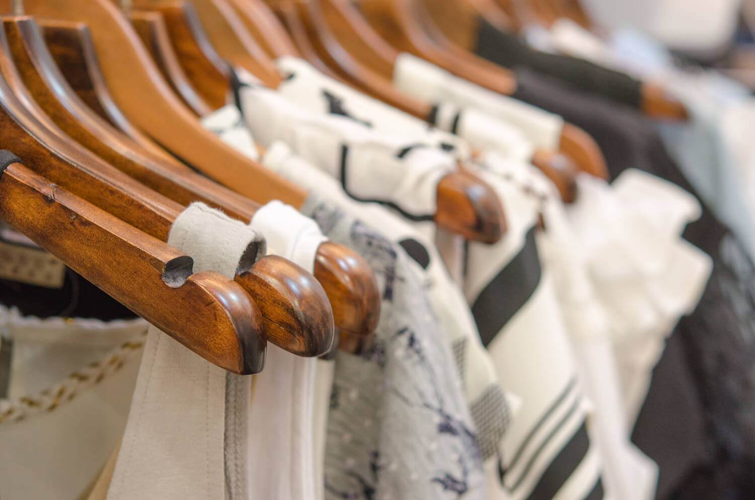 clothing on hangers - last-minute moving tips