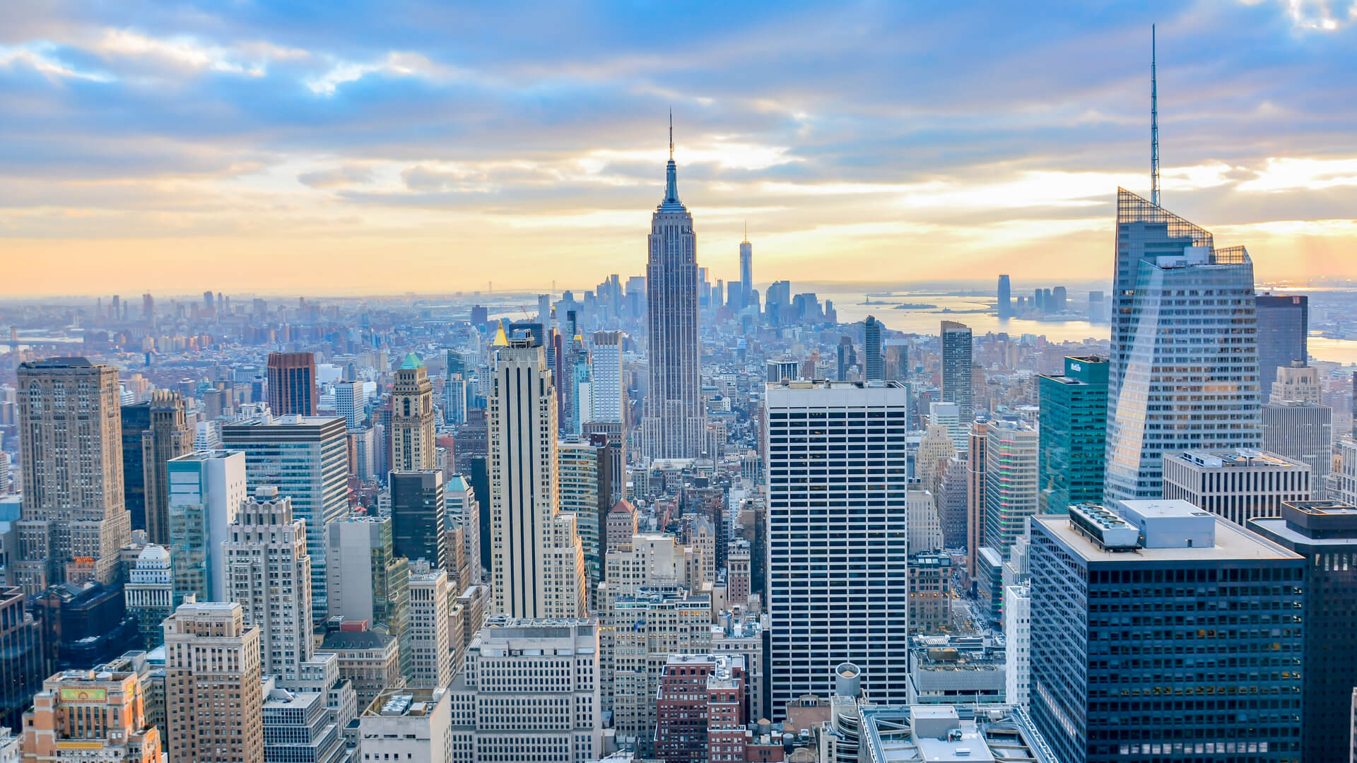 new-york-city-skyline_crain's-best-places-to-work-nyc