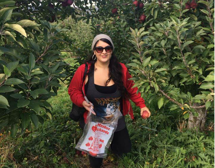 jaime apple picking - meet updater