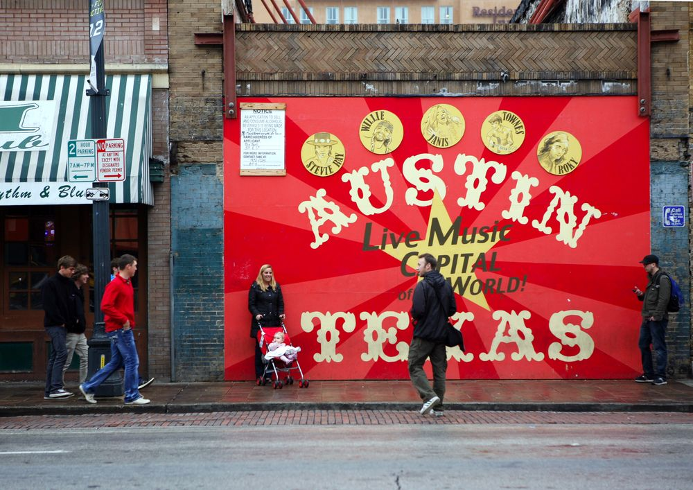 Austin sign - moving trends