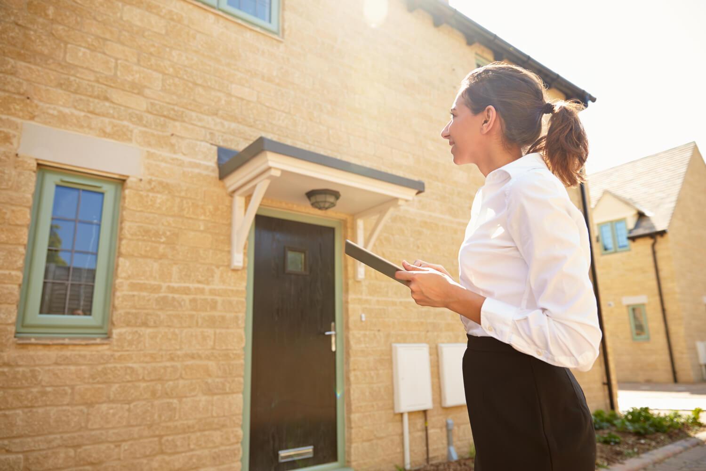 woman outside - final walk through checklist