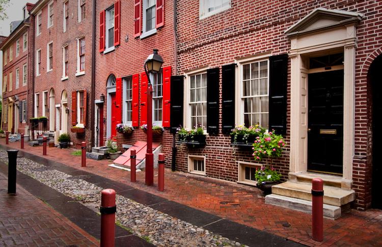 philadelphia-city-street_moving-companies-philadelphia