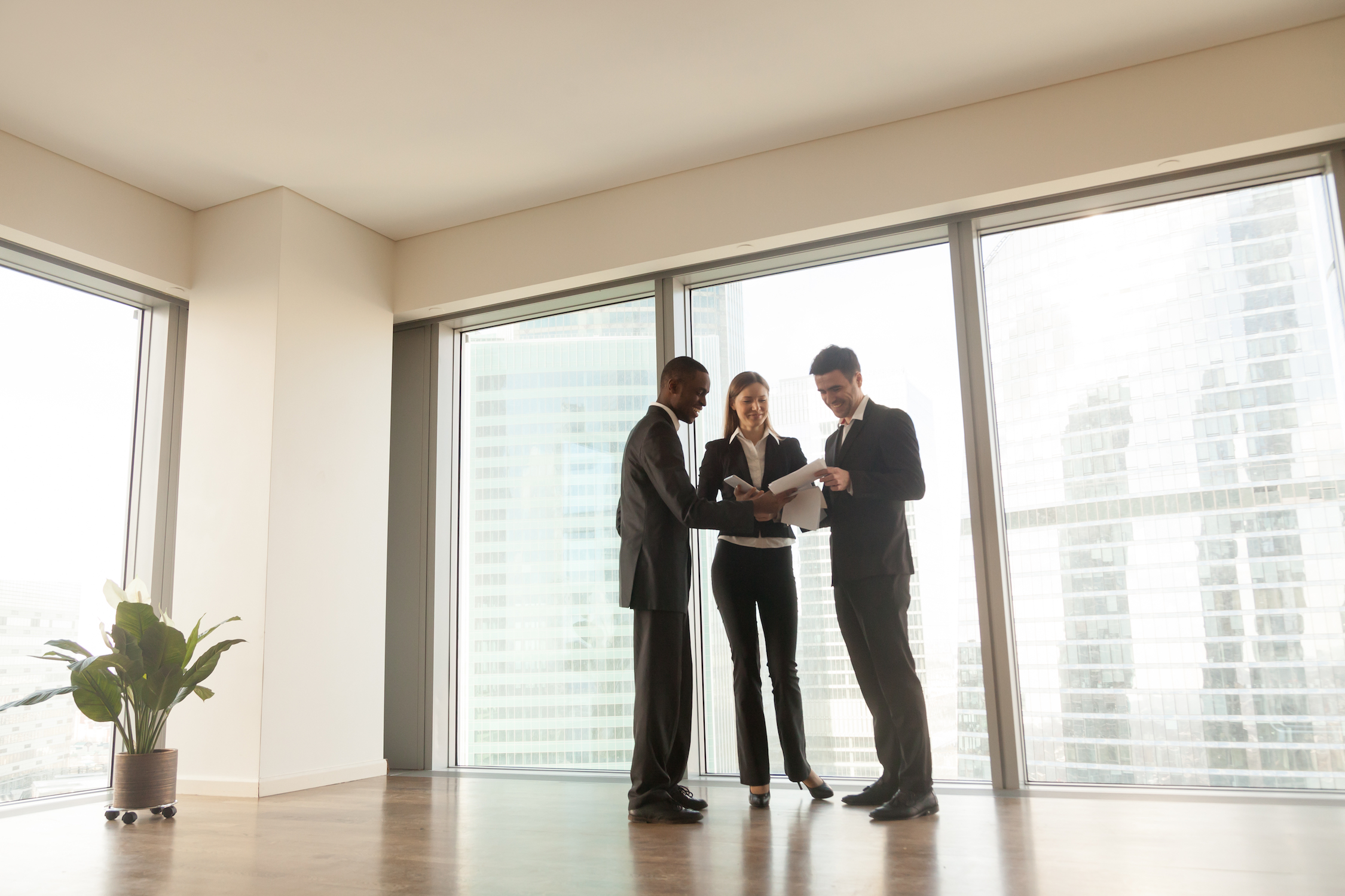 real-estate-agents-networking_how-to-organically-drive-real-estate-referrals.jpg