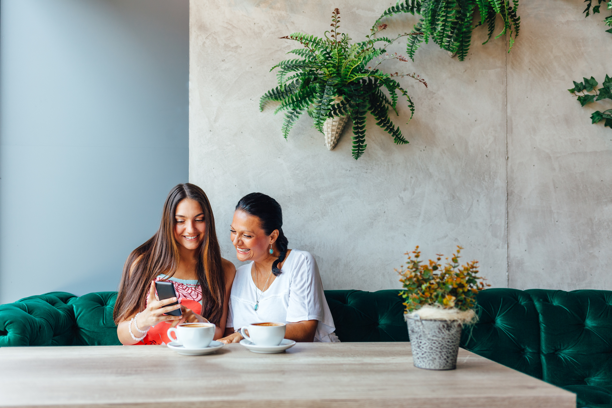 mom-and-daughter-on-phone_how-to-rent-an-apartment-for-the-first-time.jpg