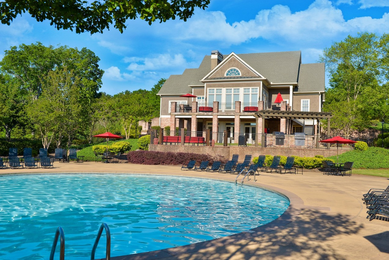 gorgeous-pool_steadfast-strengthens-property-experience.jpg