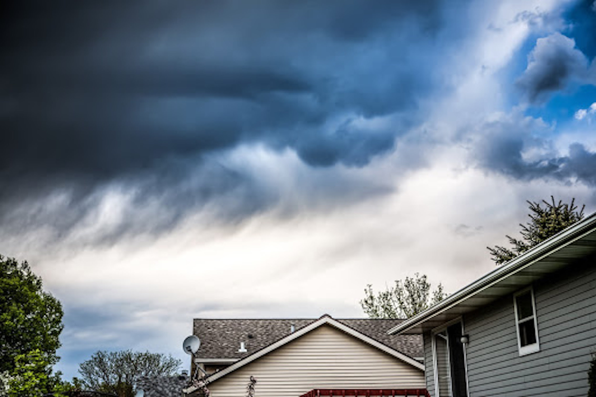 house-in-a-storm_what-does-homeowners-insurance-cover.jpg