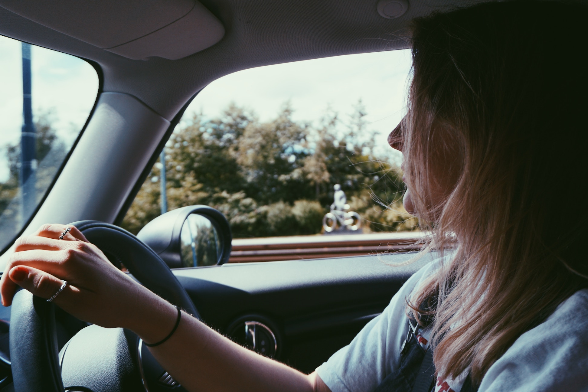 woman-driving_moving-out-for-the-first-time-checklist