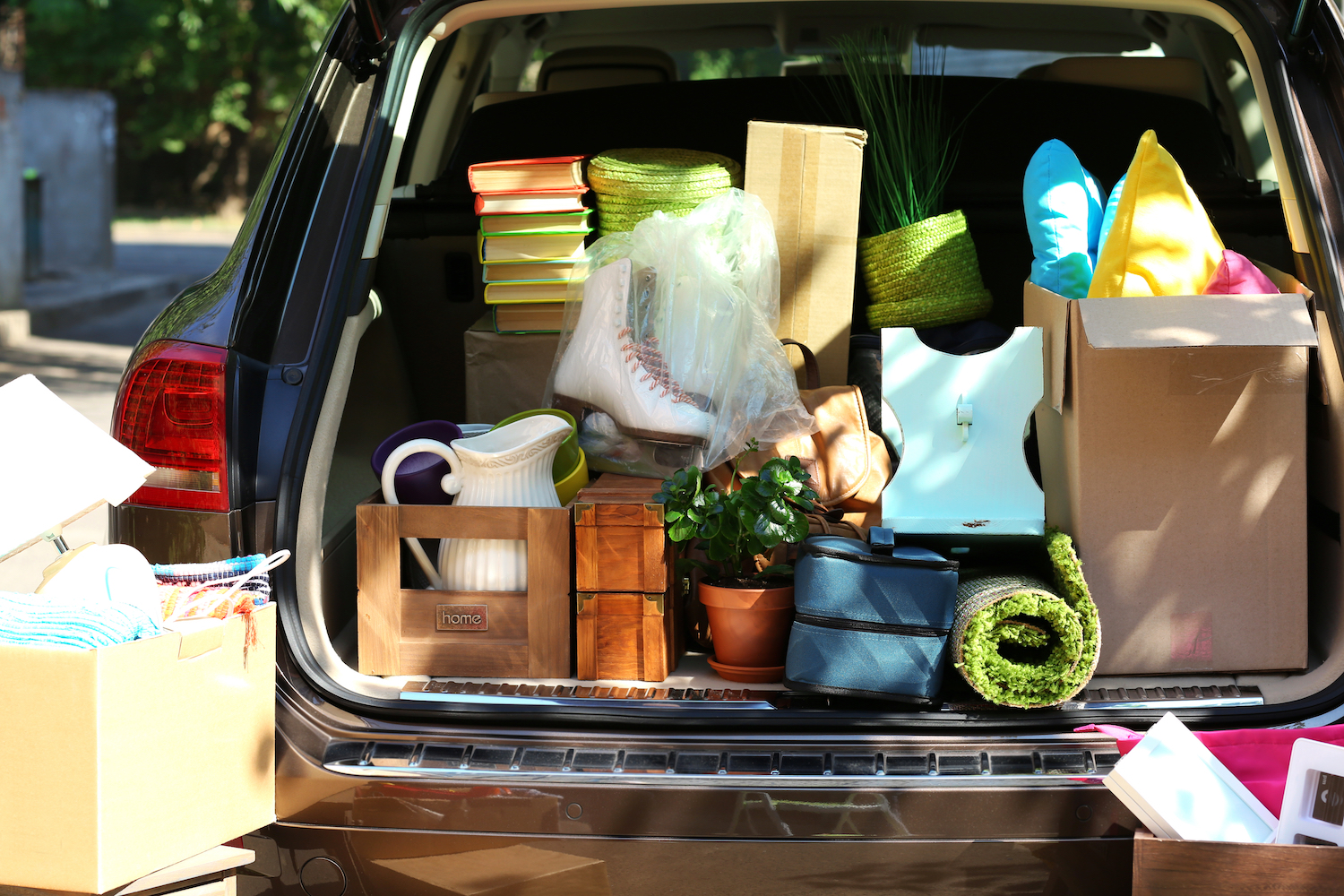 moving-into-storage_how-much-does-it-cost-to-rent-a-storage-unit