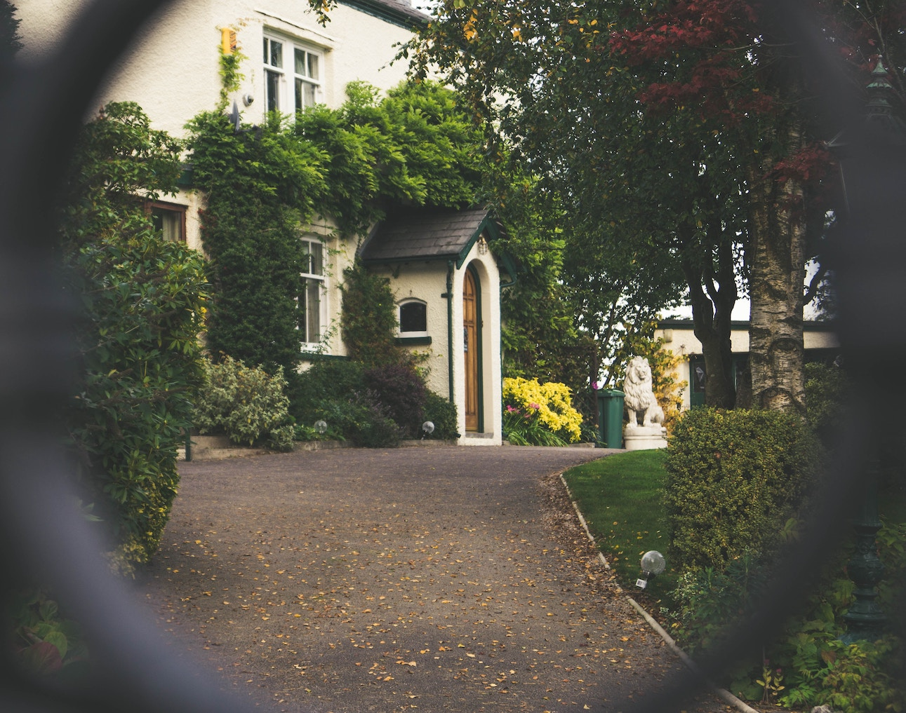house-entrance_home-security-system.jpg